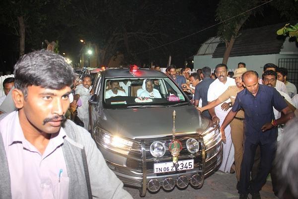 சசிகலா கார்