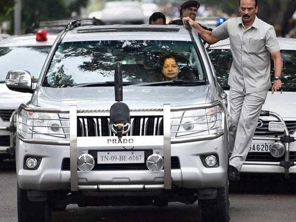 ஜெயலலிதா கார் சசிகலா வசம்