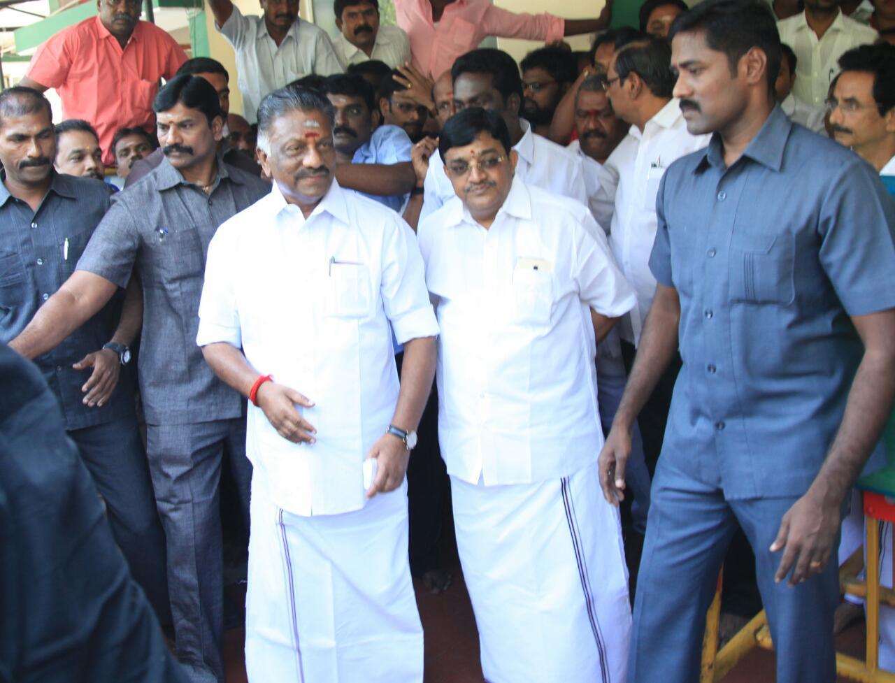O.Panneerselvam goes to Kuvathur