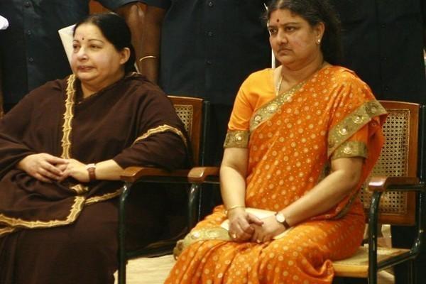 சொத்துக் குவிப்பு வழக்கு - ஜெயலலிதா சசிகலா
