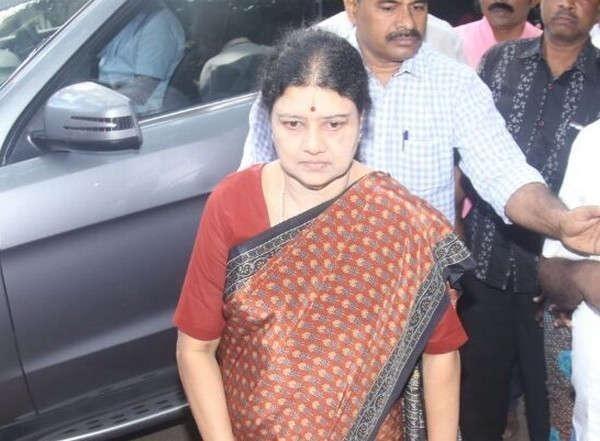 சசிகலா, சயனைடு மல்லிகா நட்பு