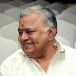 ஸ்டாலினுக்கு முதல்வராகும் தகுதி உள்ளது - ராதாரவி பரபர