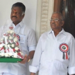 முதல்வர் பன்னீர்செல்வத்துடன், அதிமுக அவைத்தலைவர் மதுசூதனன் திடீர் சந்திப்பு!