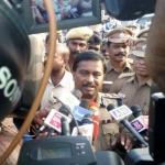 'கூவத்தூரில் பாதுகாப்புக்காகவே உள்ளோம்' - காவல்துறை விளக்கம்