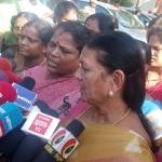 இரவில் நடந்த ரகசிய கூட்டம்! கூவத்தூரில் எம்.எல்.ஏ.க்கள் 'மகிழ்ச்சி' #VikatanExclusive