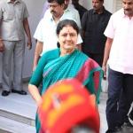 பொதுச்செயலாளர் பதவியை ராஜினாமா செய்கிறாரா சசிகலா?! அமைச்சர்கள் சிறை சந்திப்பின் பின்னணி #VikatanExclusive
