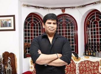 ''இதனால்தான் சசிகலாவை நாங்கள் சந்தேகிக்கிறோம்....?!''  ஆனந்தராஜ் #OPSVsSasikala