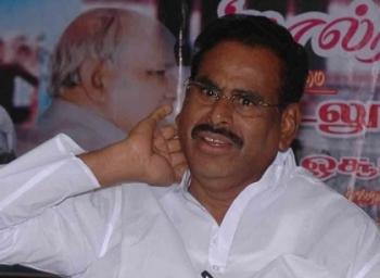 சசிகலாவுக்காக களமிறங்க டிஸ்சார்ஜ் ஆகிறார் நடராசன்!  #OPSVsSasikala