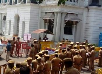 தொகுதிப்பக்கம் செல்ல முடியுமா சசிகலா ஆதரவு எம்.எல்.ஏ-க்கள் ?
