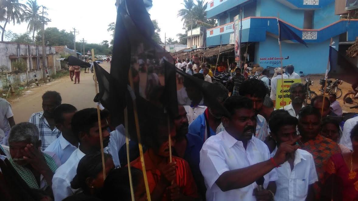 Rajendran_mla-_people_protest_10572.jpg