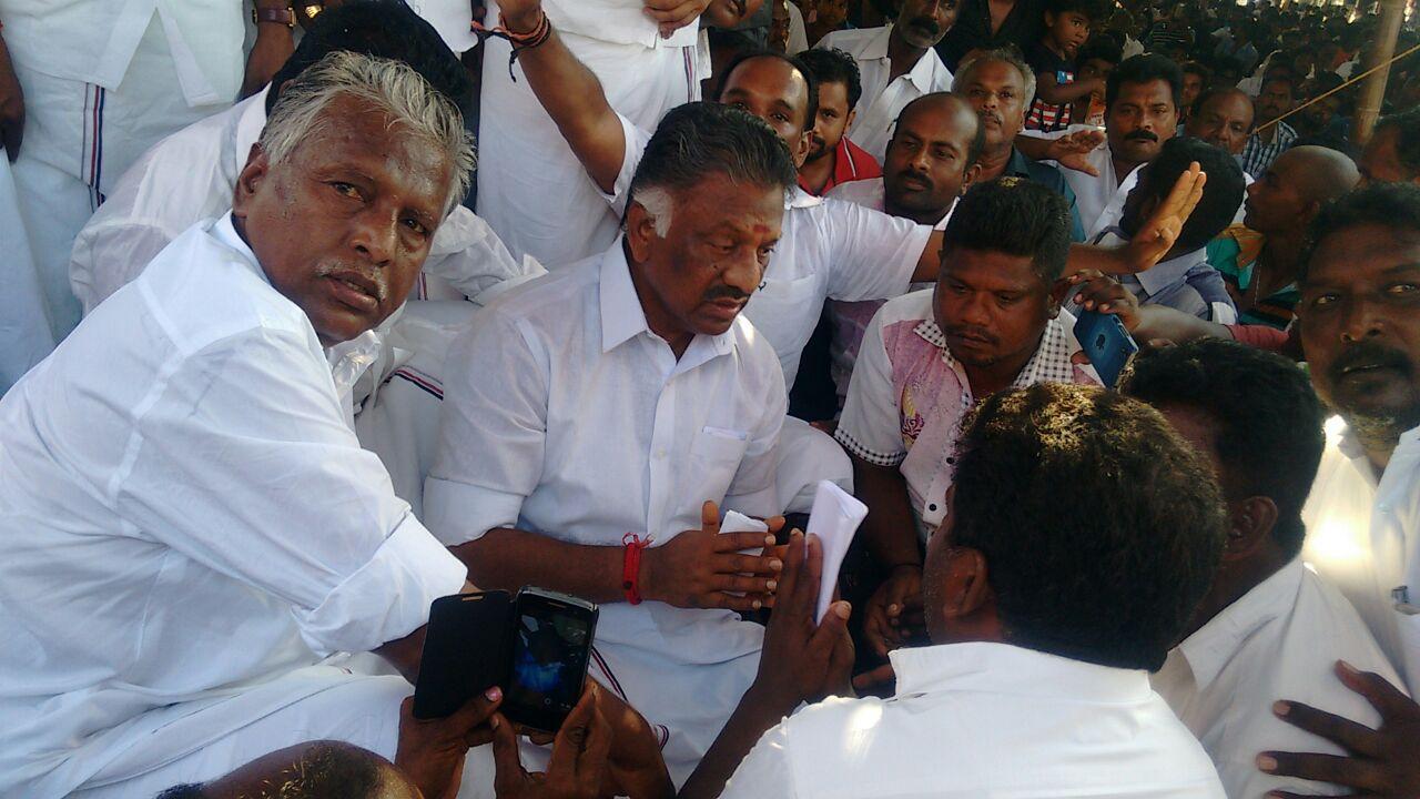 53 தமிழக மீனவர்களை விடுதலை செய்தது இலங்கை