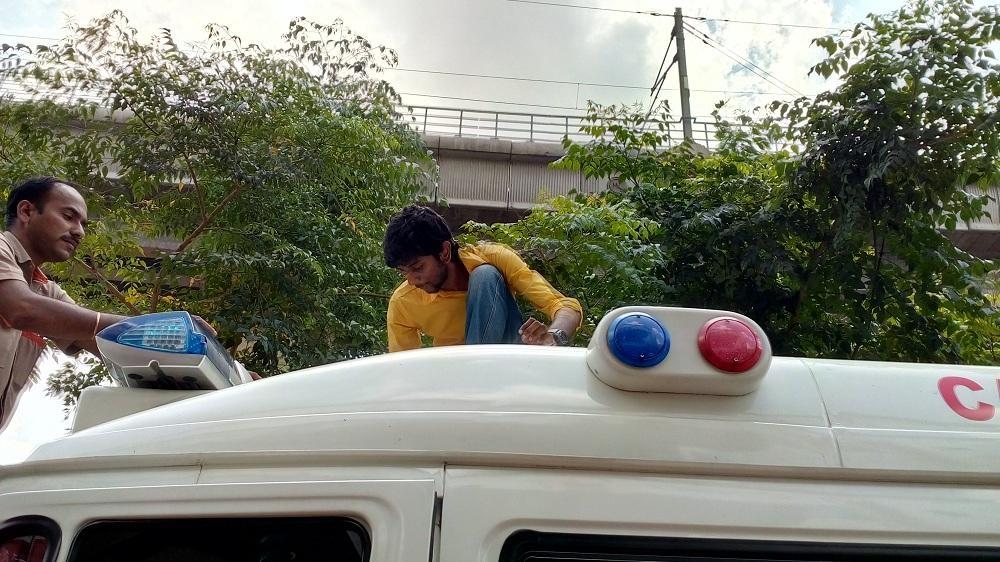 தினேஷ்