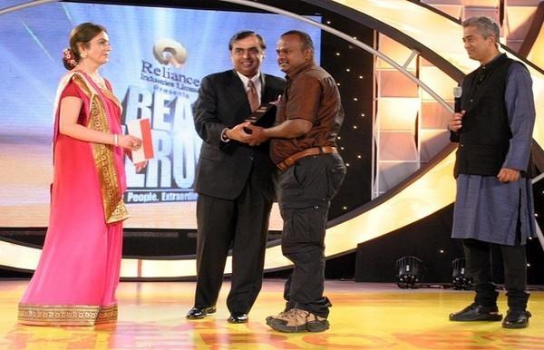 விருது பெறும் ரவுடி ராஜா