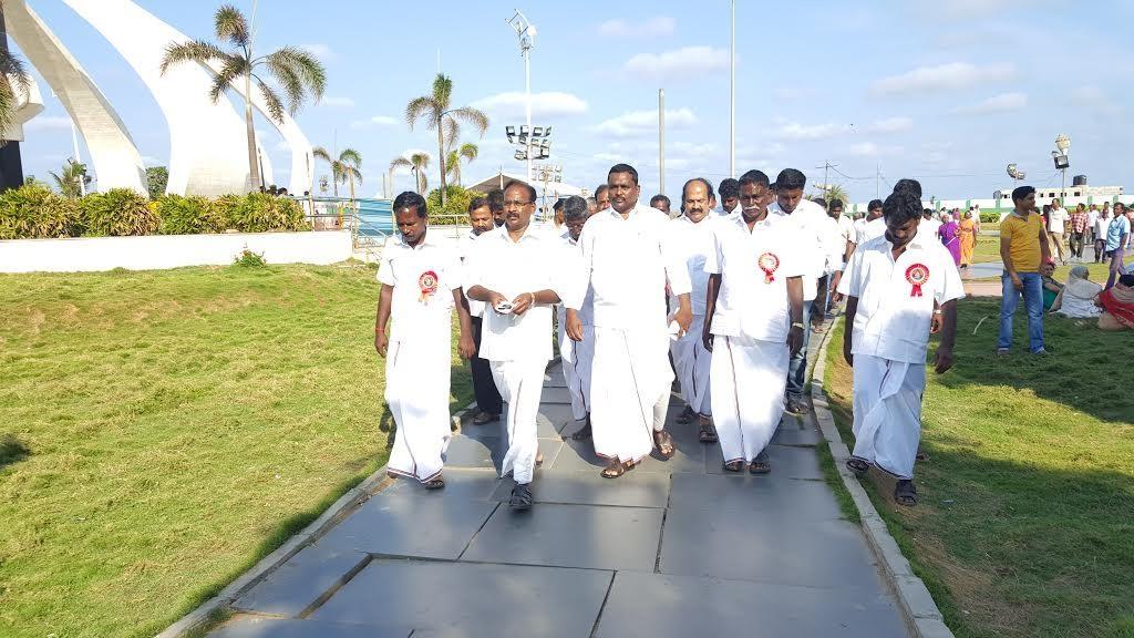 அ.இ.ம.க நிர்வாகிகள் - ஆர் கே நகர் இடைத்தேர்தல்