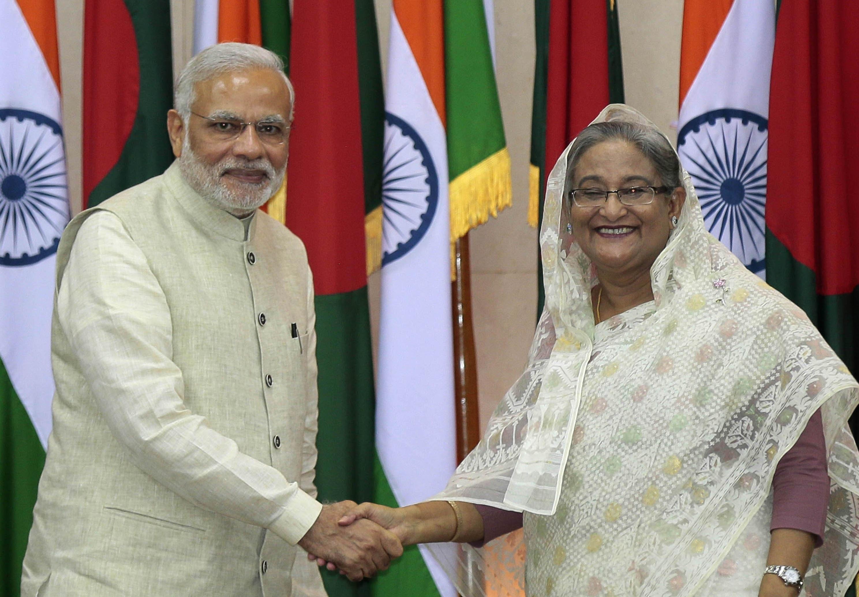 மோடியுடன் வங்கதேச பிரதமர் ஷேக் அசீனா