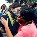 சிவசேனாவைக் கண்டித்து கேரளாவில் 'Kiss of Love