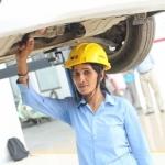'இயந்திரங்கள், கார்கள் மீது அவ்ளோ ப்ரியம்!' - இந்தியாவின் முதல் பெண் கார் மெக்கானிக்