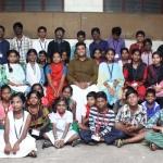 ஏழை மாணவர்களுக்கு 10 வருடங்களாக இலவச டியூஷன்... இந்த இளைஞரைத் தெரிந்துகொள்வோமா?! #VikatanExclusive