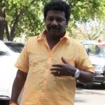 சசிகலா அணி எம்எல்ஏ கருணாஸ் திடீர் அதிரடி!