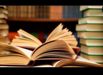 இந்த படைப்பாளிகள் எழுதும், படிக்கும் நூல்கள் இதுதான்!