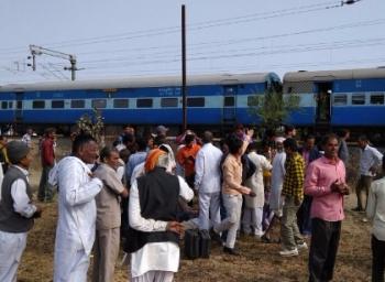 மத்தியப்பிரதேச ரயிலில் குண்டு வெடிப்பு: 6 பேர் காயம்