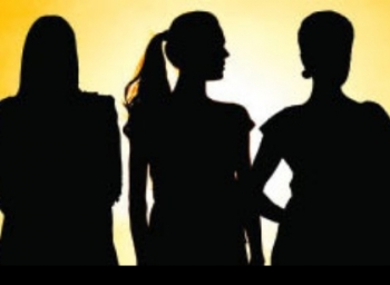 மக்கள் உளவியலால் எகிறும் டி.ஆர்.பி... கேலிக்குள்ளாகும் பெண்கள்!