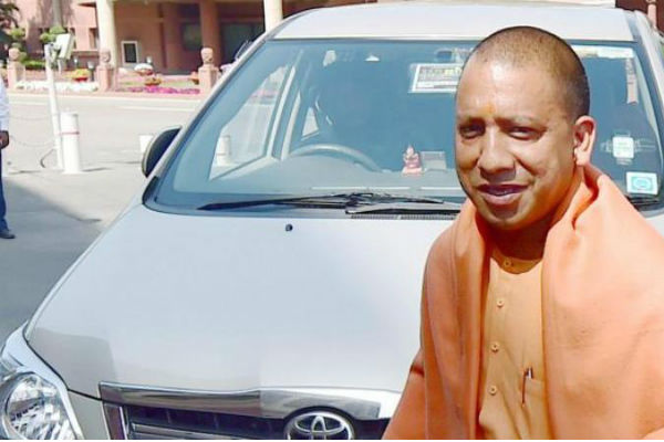 உ.பி. முதல்வர் யோகி ஆதித்யநாத் கார் டிரைவருக்கு அபராதம்!