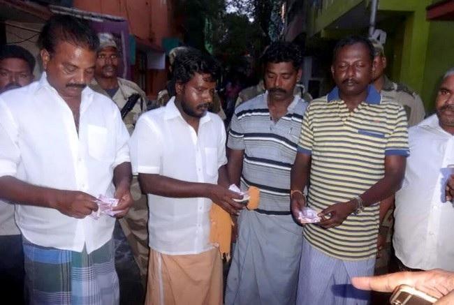 ஆர் கே நகர்  இரண்டாயிரத்தை எண்ணும் காட்சி