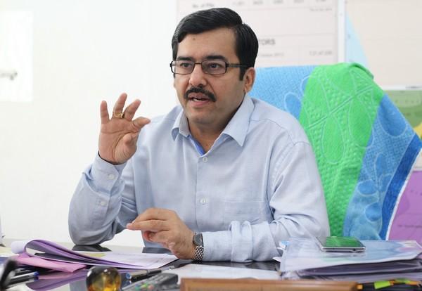 ஆர்.கே.நகர் இடைத்தேர்தல்: சிறப்பு தலைமைத் தேர்தல் அதிகாரி அவசர ஆலோசனை
