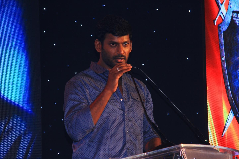 புதிய திரைப்படங்களுக்கு விமர்சனம் கூற கூடாது ; ரஜினி காந்த்