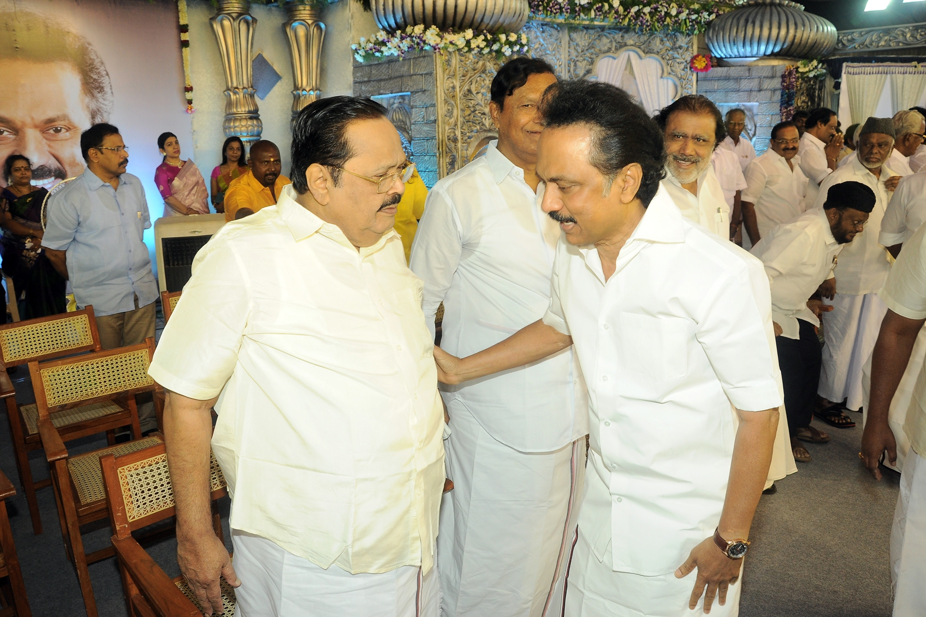 DMK meets governor