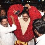 ஆர்.கே நகரில் 'சாமி கும்பிட்டாச்சா'னு கேட்டா என்ன அர்த்தம் தெரியுமா?