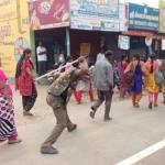 'அறைந்த ஏ.டி.எஸ்.பி.யை சஸ்பெண்ட் செய்யுங்கள்..!'- சாமளாபுரத்தில் மக்கள் உண்ணாவிரதம்