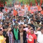 விவசாயிகளுக்கு ஆதரவாக சென்னை ஆட்சியர் அலுவலகத்தை முற்றுகையிட்ட சீமான்!!