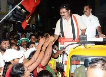 உடையில் வெள்ளை, பேச்சில் பச்சை ! ஆர்.கே.நகர் தேர்தல் அவலம்! #SpotReport
