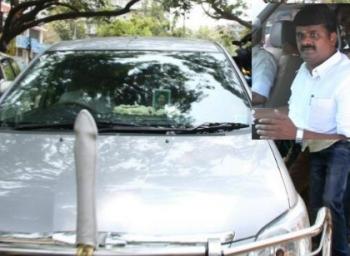 வருமான வரித்துறை அலுவலகத்தில் அடுத்தடுத்து அமைச்சர் விஜயபாஸ்கர், சரத்குமார்  ஆஜர்!