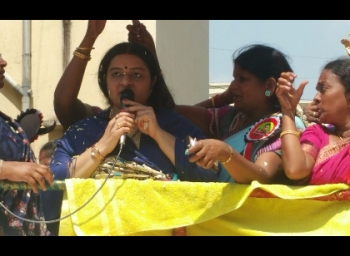 'இந்த ஆட்சியைக் கலையுங்கள்..!' தீபா அணி ஆவேசம்