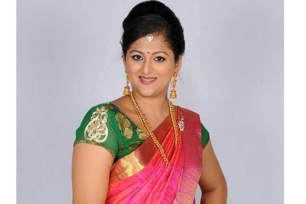அண்ணி கேரக்டரில் நடிக்கும் ரேகா குமார்