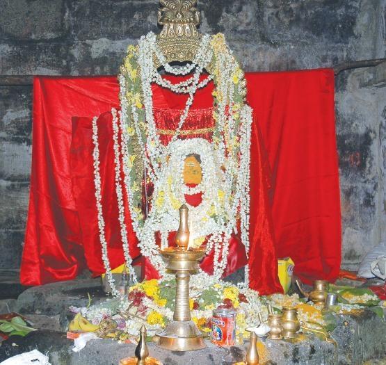 மங்கலதேவி சிலை