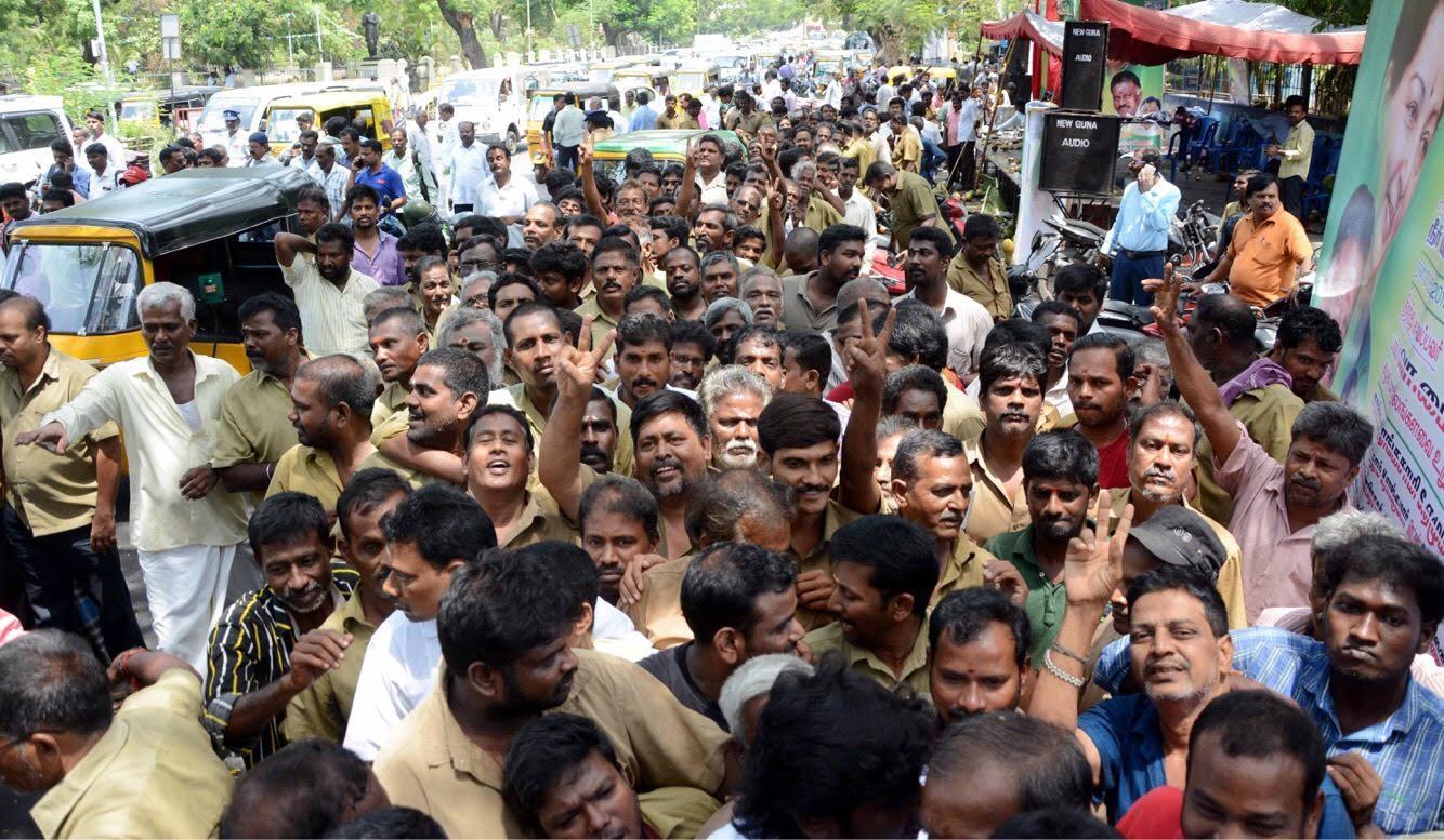 பிரமாண்டமான தி.நகர் தண்ணீர்ப்பந்தல்