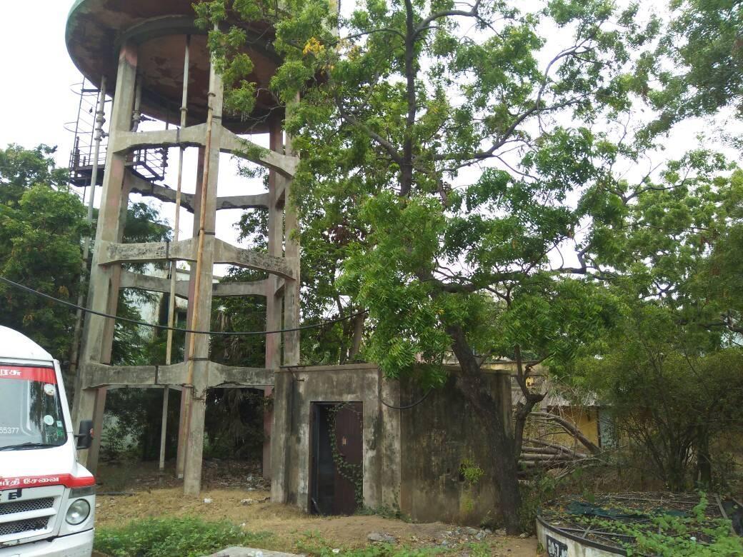 கிணற்று நீரை சேமிக்க கட்டிய நீரேற்று மையம்