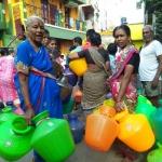 ''இனி எலக்ஷன்னு வரட்டும்... குடத்தாலேயே விரட்றோம்'' - ஆர்.கே.நகர் பெண்கள் ஆவேசம் #RKNagarSpotVisit