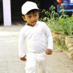 கிரிக்கெட்டில் அசத்தும் ஒன்றரை வயது சென்னைக் குழந்தை.. ஜூனியர் MSD! #Video