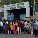 'நீட்' தேர்வு  மையப் பரிசோதனைகள் யார் மீது பிழை...? #VikatanSurvey