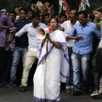'இந்தியாவில் பிறந்ததற்கு வெட்கப்படுகிறேன்...' மம்தா பானர்ஜி ஆவேசம்!