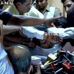 கெஜ்ரிவால் மீது ஊழல் குற்றம்சாட்டிய கபில் மிஷ்ரா திடீர் மயக்கம்!