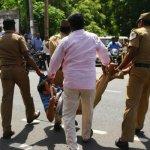 டாஸ்மாக் கடைக்கு எதிராக போராட்டம்...வேலூரில் பெண்கள் மீது தடியடி!