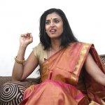 ரஜினி அரசியலுக்கு வரலாமா..? கஸ்தூரியின் திடுக் ட்விட்!