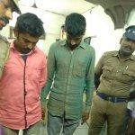 கோயம்பேட்டில் 90 லட்சம் மதிப்பிலான பழைய ரூபாய் நோட்டுகள் பறிமுதல் : 2 பேர் கைது