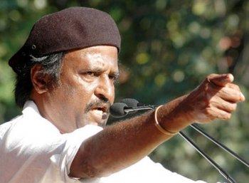 'ரஜினி அரசியலுக்கு வந்து 21 வருஷம் ஆச்சு..!' முரண்பாடுகள் சூழ் பயணம்